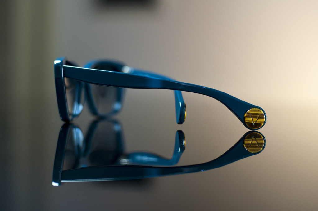 Magnani model: designed and handmade in Italy. Acetate front and temples. Temples tips envelop a gemstone insert.
